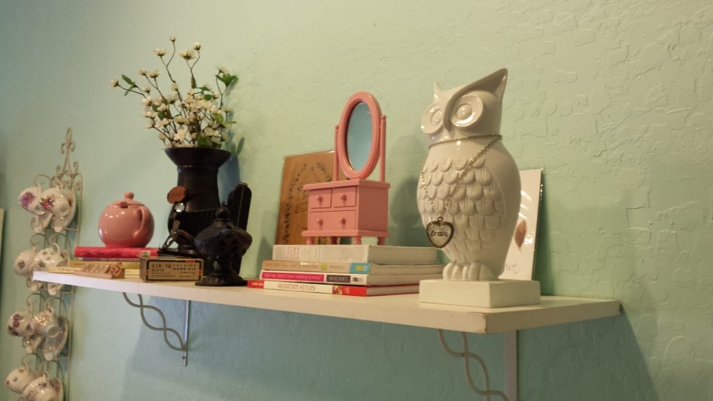 Redefine the vision board and come t my workshop! Vision board shelf. Represent your vision creatively! tabithadumas.com