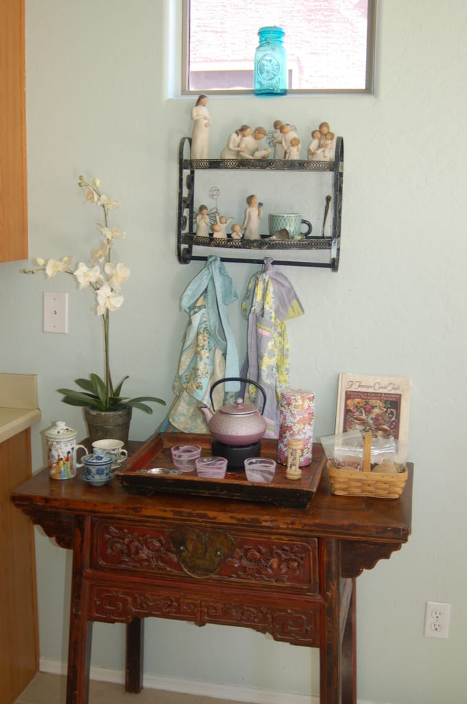 How to host a potluck tea party. Great tips and suggestions from tabithadumas.com