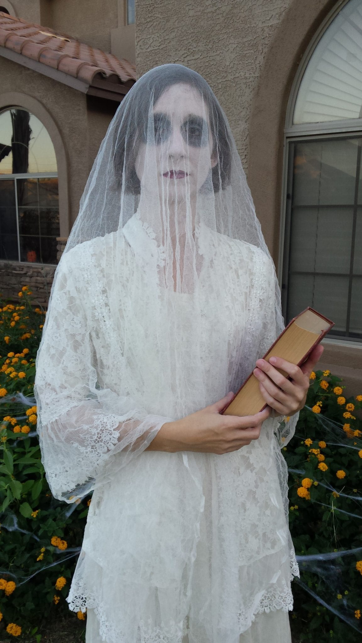 Diy Ghost Writer Costume Tabitha Dumas