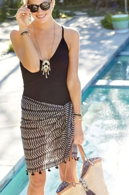 Wear a scarf as a sarong + 10 ways to wear a scarf this summer from tabithadumas.com