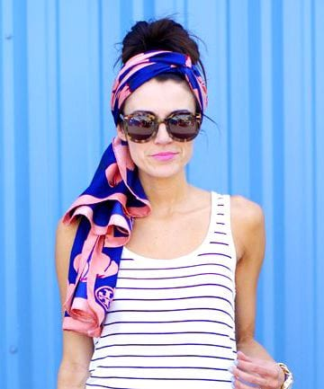 10 ways to wear a scarf this summer from tabithadumas.com Chic and sassy as a headwrap!