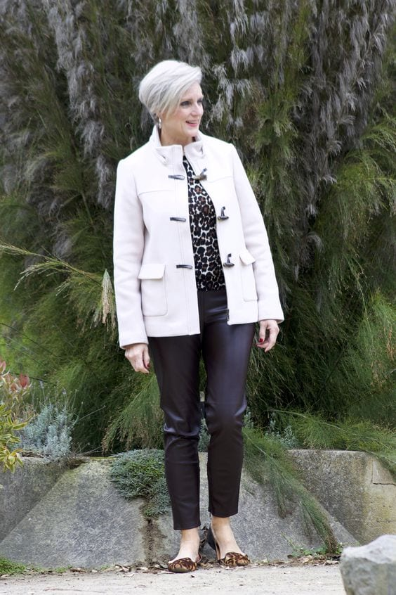 How a COOL woman wears animal print. A leopard print top with black and white. By tabithadumas.com