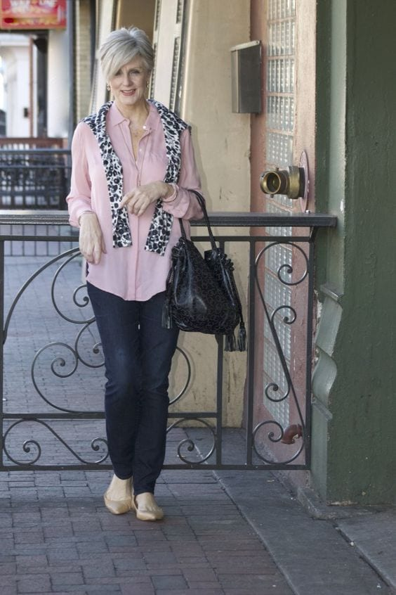 How a COOL woman wears animal print. A scarf with denim and pink. via tabithadumas.com