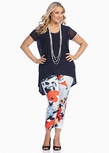 Whether to wear prints on the top or bottom. You don't have to be afraid of prints! tabithadumas.com image consultant