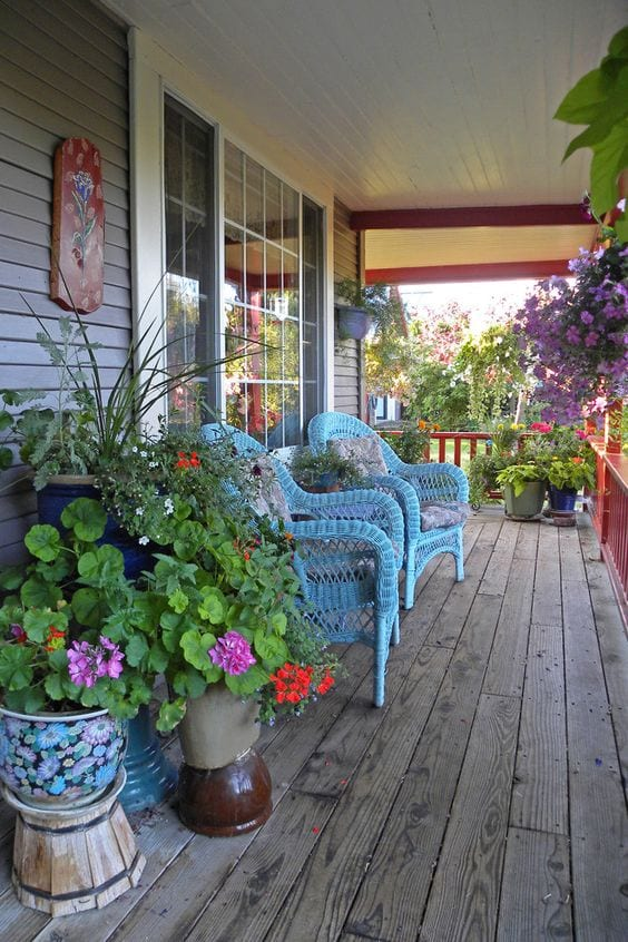Bring back porching! Summer porch inspiration from tabithadumas.com