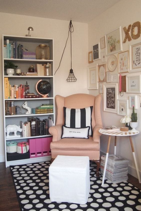 Consider a corner for your spot. Create a cozy reading nook -Tabithadumas.com